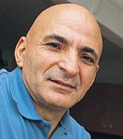 Mustafa Sönmez Kimdir ? Biyografisi, Hayatı, Eşi, Nereli, Kaç Yaşında, Öldü mü ?